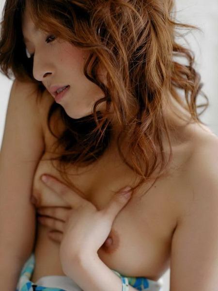 karen-kisaragi-shows-her-impressive-body